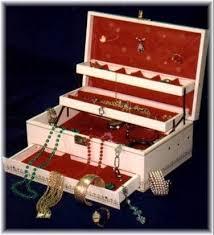 ترتيب حقيبة مكياج العروس بأربع خطوات
