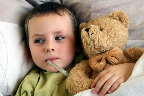 طرق آمنة لتسكين أعراض الانفلونزا عند الأطفال